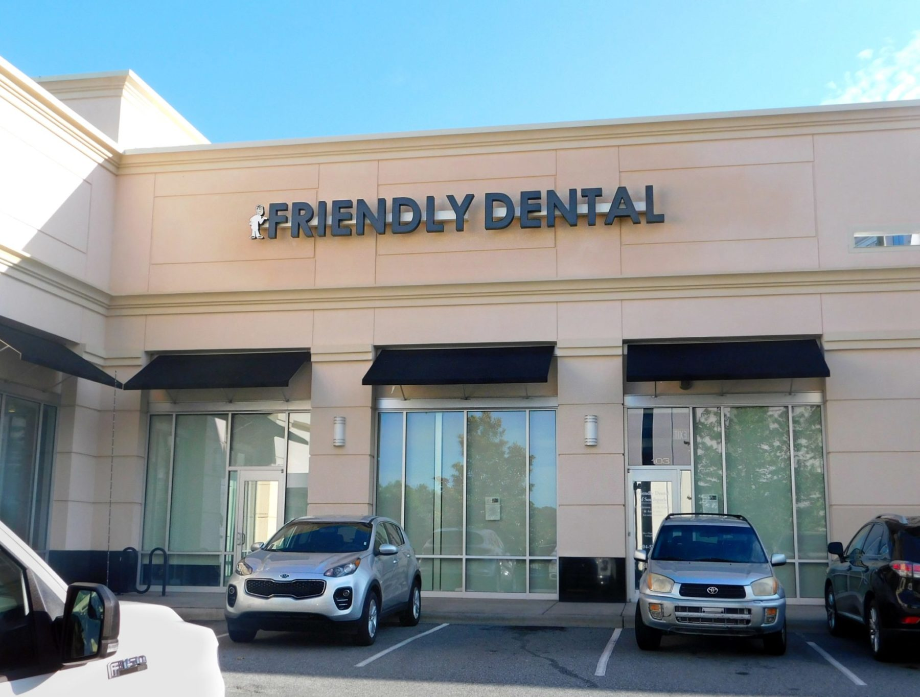 https://friendlydentalgroup.com/wp-content/uploads/2016/08/friendlydentalsouthaprk.jpg